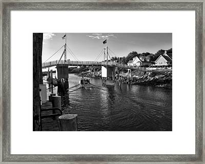 Heading To Sea - Perkins Cove - Maine Framed Print