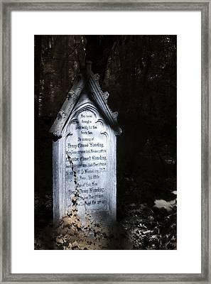 Hedera Framed Print