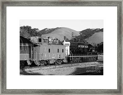 Historic Niles Trains In California . Southern Pacific Locomotive And Sante Fe Caboose.7d10843.bw Framed Print by Wingsdomain Art and Photography