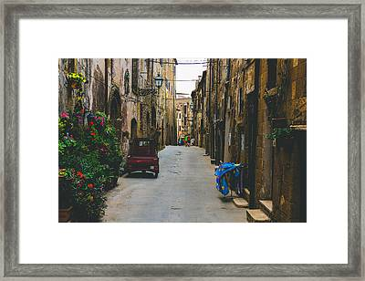 History Looking At Future Framed Print by Cesare Bargiggia