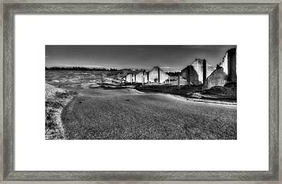 Hole #18 - Back To The Club House Framed Print by David Patterson
