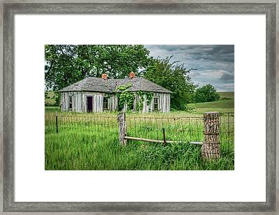 Home Place - Farmhouse - Kansas Framed Print by Nikolyn McDonald