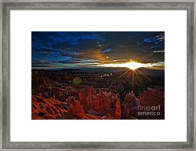 Hoodoos At Sunrise Bryce Canyon National Park Framed Print by Sam Antonio