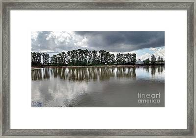 Framed Print featuring the photograph Horizon Line by Bill Thomson