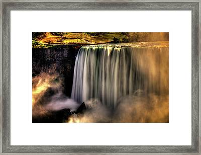Horseshoe Falls Early Autumn No 03 Framed Print