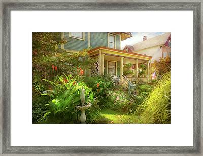 House - Bevidere Nj - Country Garden Framed Print