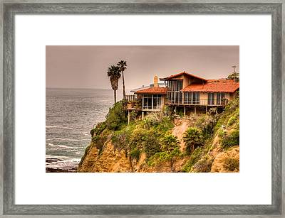 House On Crescent Bay Framed Print by Itay Dollinger