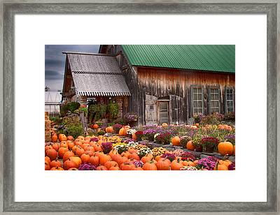Hudaks Cider Mill And Farmstand Framed Print by Jeff Folger