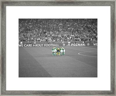 Huddle Framed Print by Ian Campbell