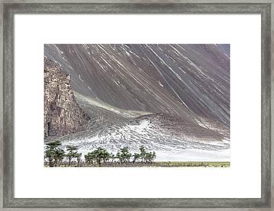 Hunder Desert, Hunder, 2005 Framed Print