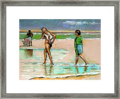 I Hope The Sun Comes Out Framed Print by Stan Esson