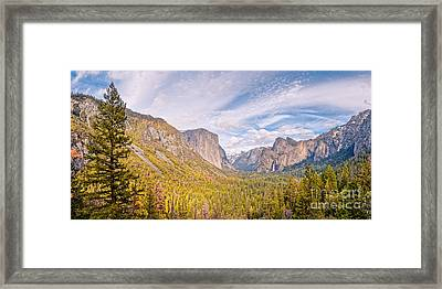 Idyllic View Of Yosemite Valley From Tunnel View Vista - Sierra Nevada California Framed Print