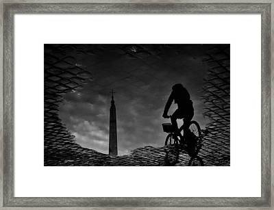IIn The Town Square. Framed Print by Antonio Grambone