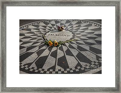 'imagine' John Lennon Framed Print