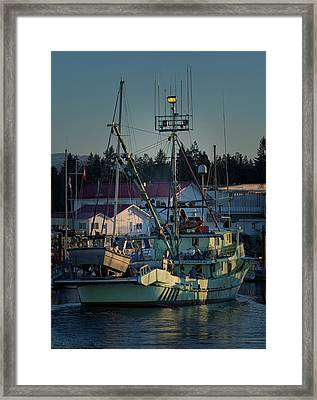 Framed Print featuring the photograph In For Ice by Randy Hall