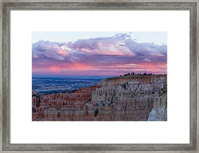 Inspiration Point Sunset Framed Print by Patricia Davidson
