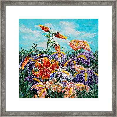 Iris With Daylily Framed Print