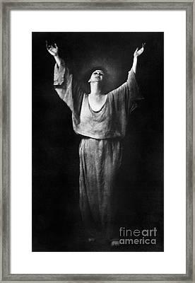 Isadora Duncan (1877-1927) Framed Print by Granger