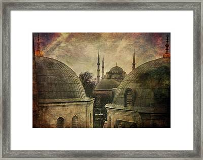 Istambul Mood Framed Print by Vittorio Chiampan