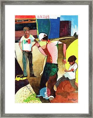 Jugando Framed Print