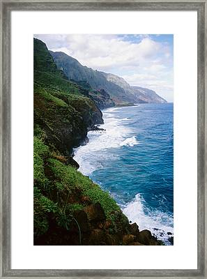 Kalalau Trail Framed Print by Kevin Smith