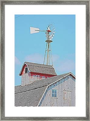 Kalona Barn Framed Print by Jame Hayes