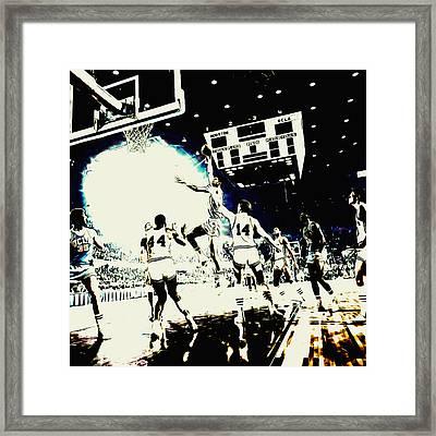 Kareem Skyhook Framed Print by Brian Reaves