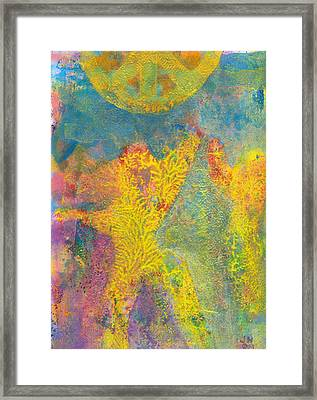 Keep Your Eyes On The Prize Framed Print by Jerry Hanks