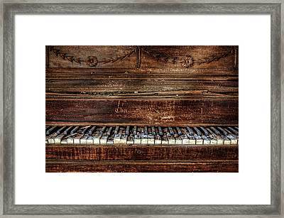 Framed Print featuring the photograph Keyless by Ken Smith