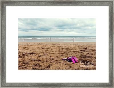 Kick Off Your Shoes Framed Print by Linda Lees