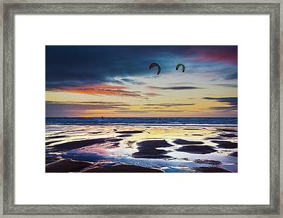 Kite Surfing, Widemouth Bay, Cornwall Framed Print by Maggie McCall
