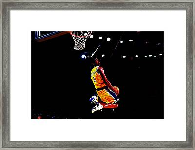 Kobe Bryant In Flight 08a Framed Print by Brian Reaves