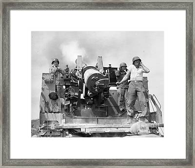 Korean War: Artillerymen Framed Print by Granger