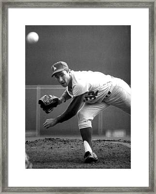 L.a. Dodgers Pitcher Sandy Koufax, 1965 Framed Print