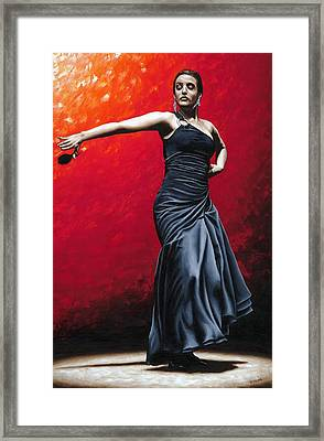 La Nobleza Del Flamenco Framed Print by Richard Young