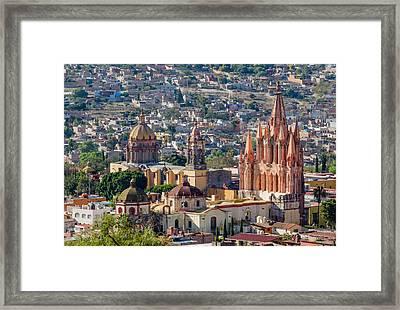 La Parroquia De San Miguel Arcangel Framed Print by Rob Huntley
