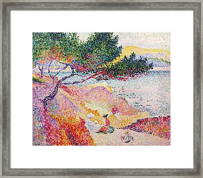La Plage De Saint-clair Framed Print by Henri-Edmond Cross