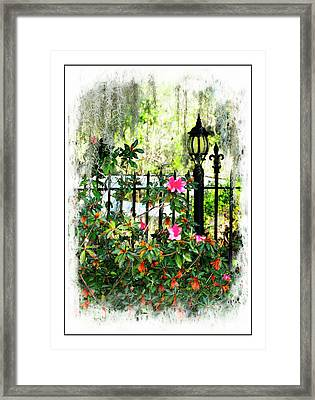 Lamp Post Framed Print by Susan Bailey