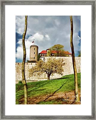 Landmark Sparrenburg Castle Framed Print