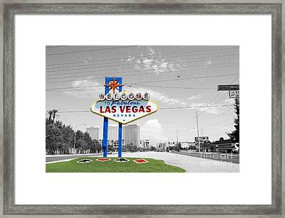 Las Vegas Welcome Sign Color Splash Black And White Framed Print by Shawn O'Brien