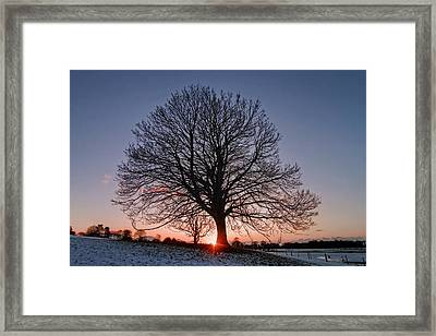 Last Glimpse Framed Print by Richard Outram