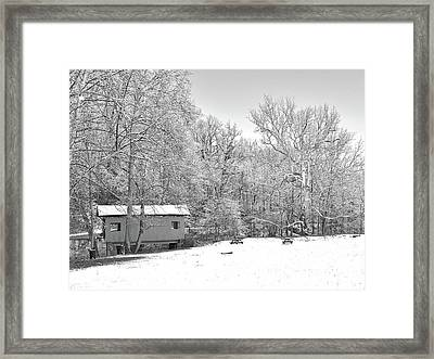 Framed Print featuring the photograph Late Winter Snowfall In Western Pennsylvania by Digital Photographic Arts