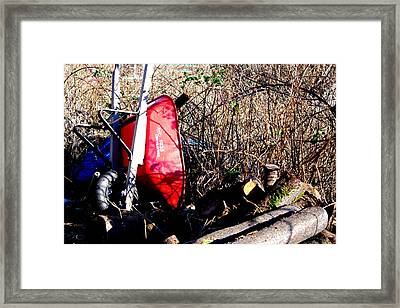 Left Alone Framed Print by Ming Yeung