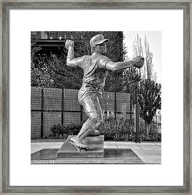 Lefty - Phillie Steve Carlton In Black And White Framed Print by Bill Cannon