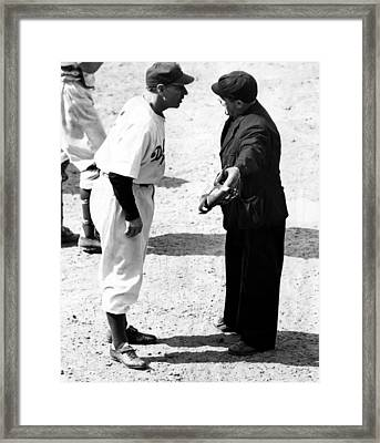 Leo Durocher Argues With An Umpire Framed Print by Everett