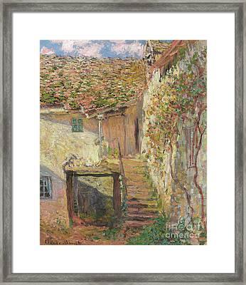 L'escalier Framed Print