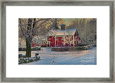 Lewiston Avenue Barn Framed Print by Jim Beckwith