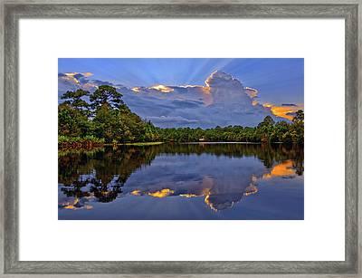 Light Beam Sunset Over Hidden Lake In Jupiter Florida Framed Print
