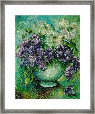 Lilacs No 4. Framed Print by Evgenia Davidov