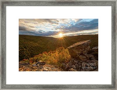 Lindy Point D80003427 Framed Print by Kevin Funk